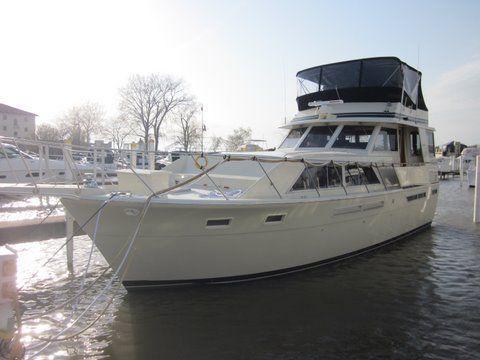 1984 uniflite 46 motor yacht  1 1984 Uniflite 46 Motor Yacht