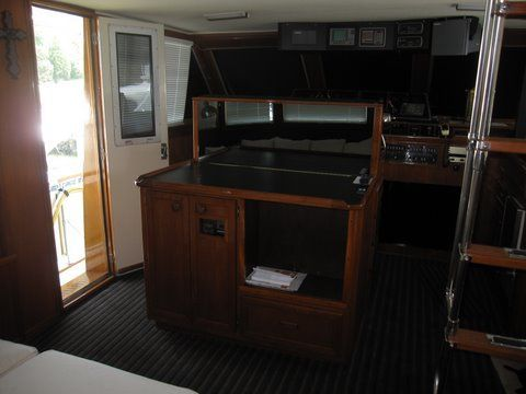 1984 uniflite 46 motor yacht  29 1984 Uniflite 46 Motor Yacht