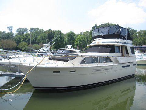 1984 uniflite 46 motor yacht  4 1984 Uniflite 46 Motor Yacht