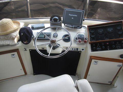 1984 uniflite 46 motor yacht  7 1984 Uniflite 46 Motor Yacht