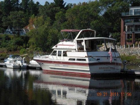 1984 vista aft cabin motor yacht  8 1984 Vista Aft Cabin Motor Yacht