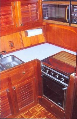 Burns Craft Motor Yacht (Larry Lee) 1985 All Boats