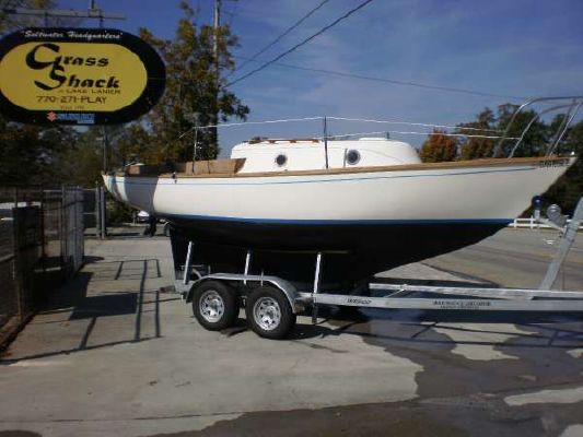 Cape Dory 22 for Sale ** Only $10.000 Cape Dory 22 Boats for Sale Center Console Boats for Sale