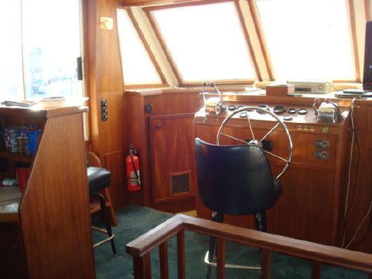 Chris Craft Yacht Home Yacht Home 1985 Chris Craft for Sale