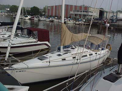 Hunter 34 1985 All Boats