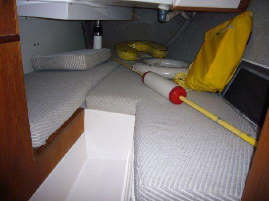 1985 hunter sailboat  6 1985 Hunter Sailboat