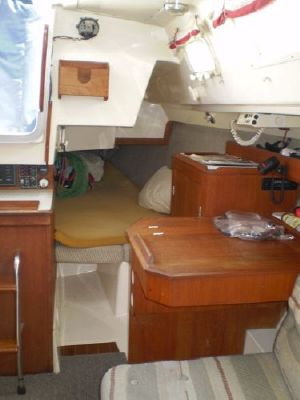 1985 hunter sloop  10 1985 Hunter Sloop