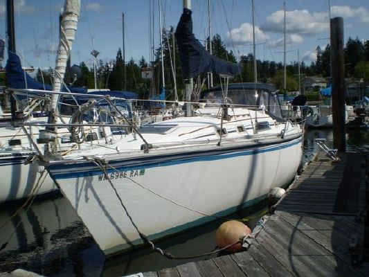 1985 hunter sloop  2 1985 Hunter Sloop