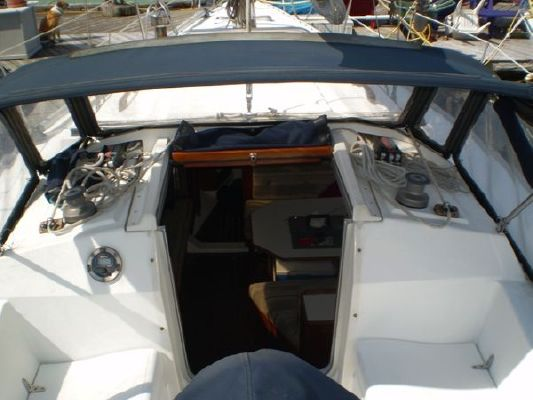 1985 hunter sloop  4 1985 Hunter Sloop