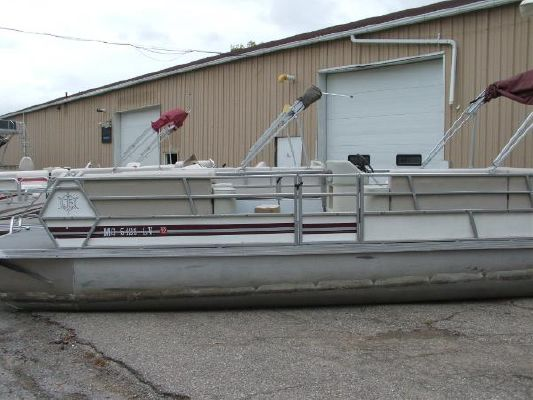 JC Manufacturing 824 1985 All Boats