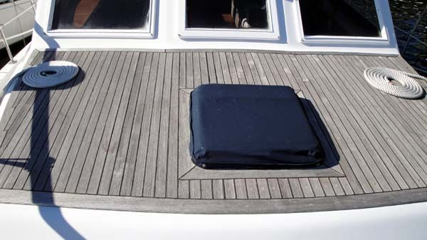 Labelle Sundeck with Cockpit by Marine Trader 1985 All Boats