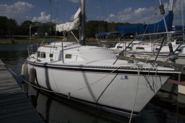 1985 newport 30  4 1985 Newport 30