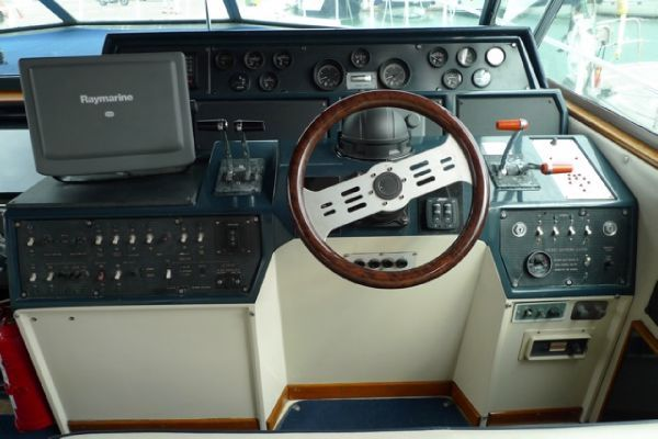1985 sea ray 460 express cruiser  7 1985 Sea Ray 460 Express Cruiser
