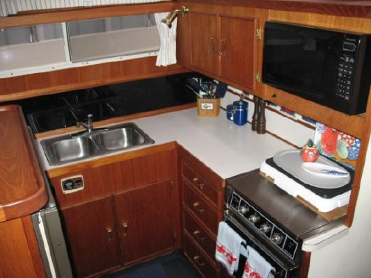 Tollycraft Sundeck 1985 All Boats