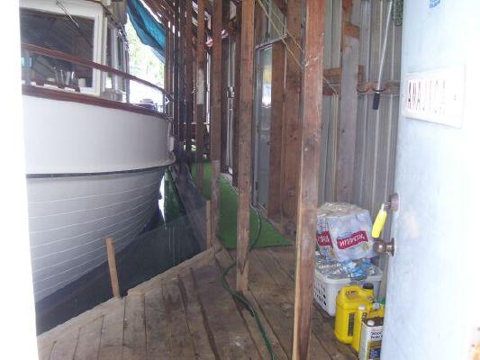 Yacht Enclosure Maple Bay Marina . 1985 All Boats