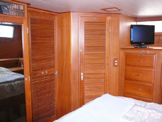 1986 angel motoryacht  15 1986 Angel Motoryacht
