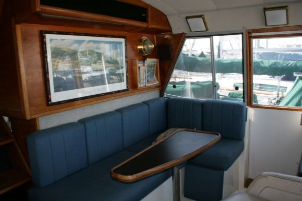 1986 bayliner 4550 pilothouse free slip for 6 motnhs  10 1986 . Bayliner .4550 Pilothouse FREE SLIP FOR 6 MOTNHS