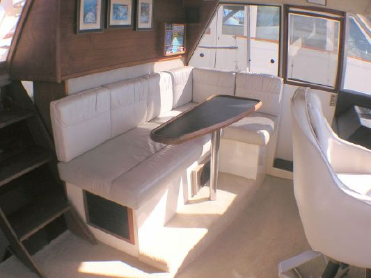 1986 bayliner 4588 motoryacht  14 1986 Bayliner 4588 Motoryacht