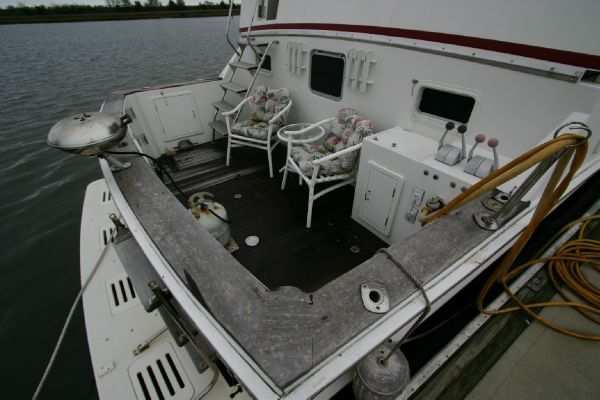 Bestway 50 Cockpit Motor Yacht 1986 All Boats