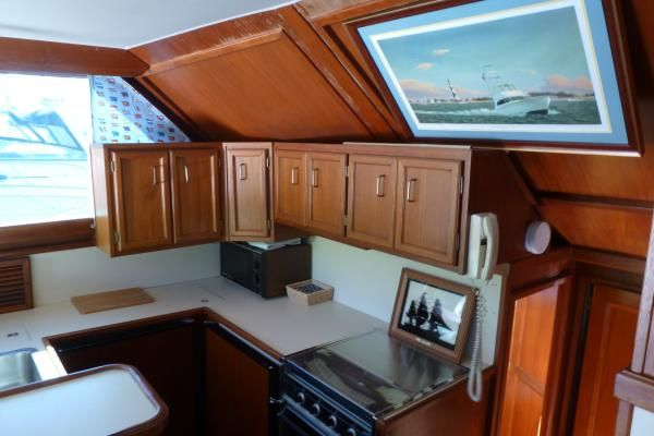 1986 Egg Harbor 41 Convertible Sportfish Priced To Sell