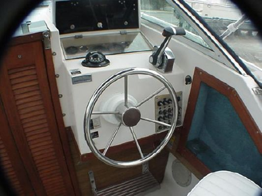 1986 grady white 22 seafarer walkaround cuddy  3 1986 Grady White 22 Seafarer Walkaround Cuddy