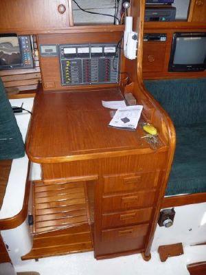 1986 lord helmsman sloop  4 1986 Lord Helmsman Sloop