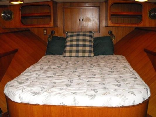 Nova 42 Sundeck, Trades Accepted 1986 All Boats