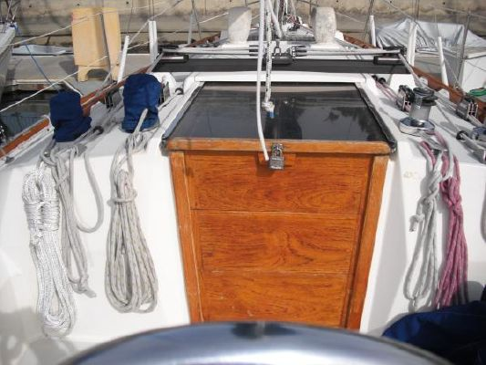 1986 sabre sloop  10 1986 Sabre Sloop