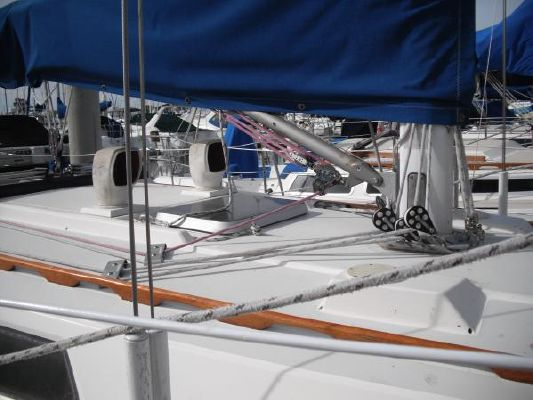 1986 sabre sloop  4 1986 Sabre Sloop
