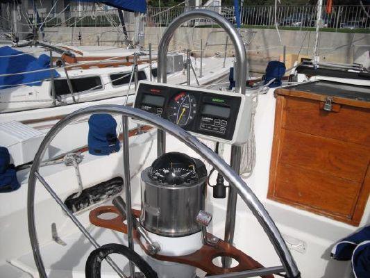 1986 sabre sloop  6 1986 Sabre Sloop