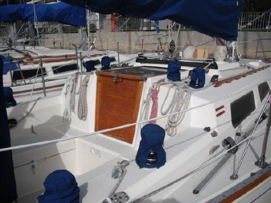 1986 sabre sloop  9 1986 Sabre Sloop
