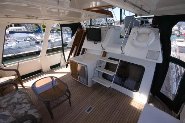 1986 spindrift motoryacht  11 1986 Spindrift motoryacht