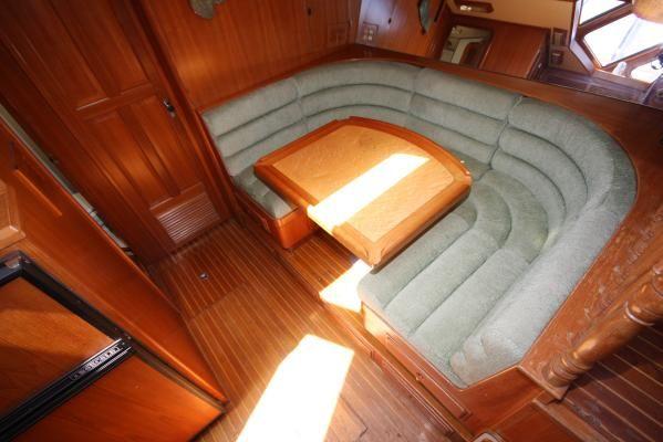 1986 spindrift motoryacht  7 1986 Spindrift motoryacht