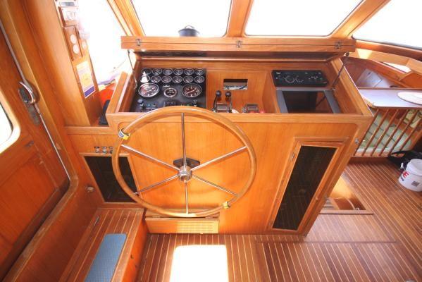 1986 spindrift motoryacht  8 1986 Spindrift motoryacht