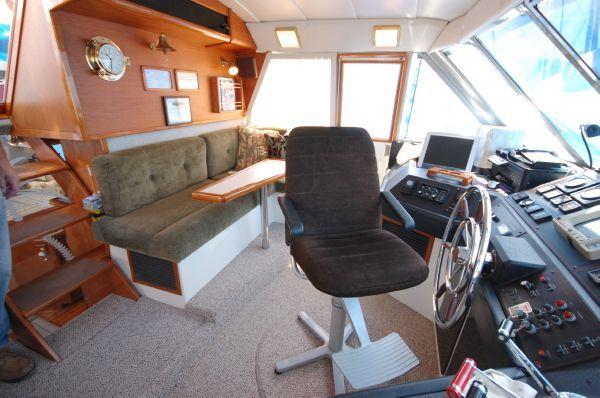 1987 bayliner 4550 motoryacht  20 1987 Bayliner 4550 Motoryacht