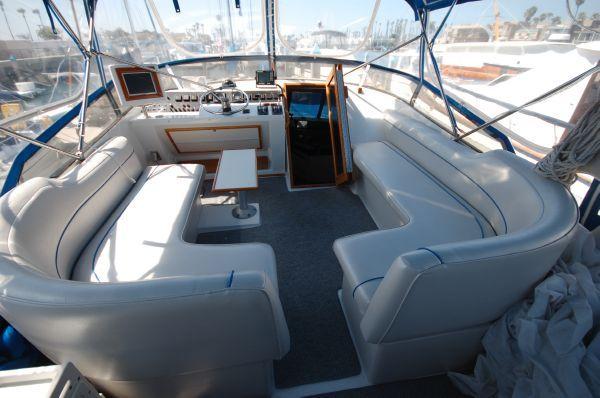 1987 bayliner 4550 motoryacht  22 1987 Bayliner 4550 Motoryacht