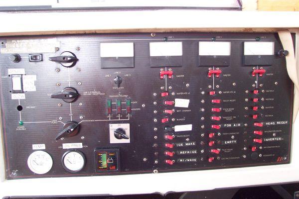 1987 bayliner 4550 motoryacht w twin volvo 360 hp  28 1987 Bayliner 4550 Motoryacht w/Twin Volvo 360 hp