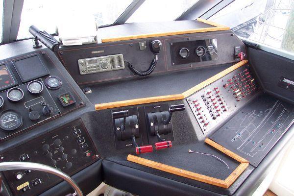 1987 bayliner 4550 motoryacht w twin volvo 360 hp  30 1987 Bayliner 4550 Motoryacht w/Twin Volvo 360 hp