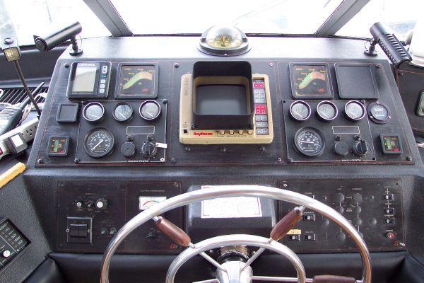 1987 bayliner 4550 motoryacht w twin volvo 360 hp  31 1987 Bayliner 4550 Motoryacht w/Twin Volvo 360 hp