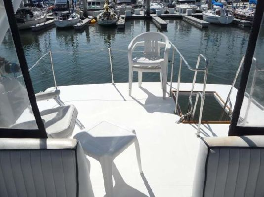 1987 bayliner pilothouse motor yacht  16 1987 Bayliner Pilothouse Motor Yacht