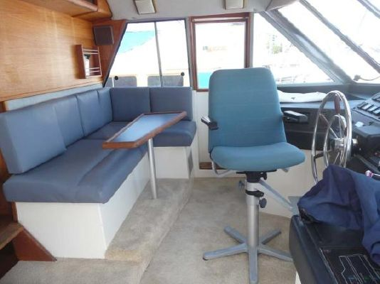 1987 bayliner pilothouse motor yacht  22 1987 Bayliner Pilothouse Motor Yacht