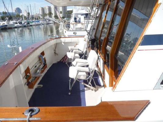 1987 bayliner pilothouse motor yacht  23 1987 Bayliner Pilothouse Motor Yacht