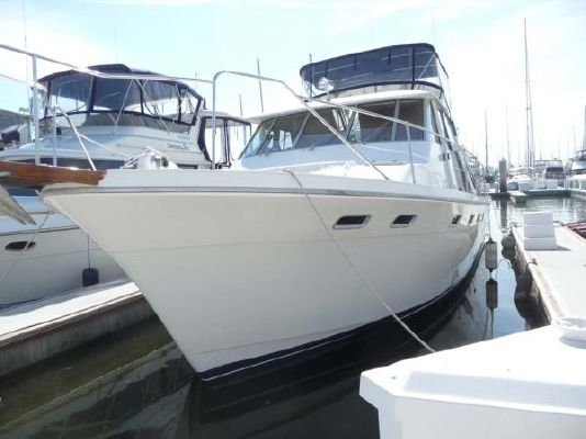 1987 bayliner pilothouse motor yacht  24 1987 Bayliner Pilothouse Motor Yacht