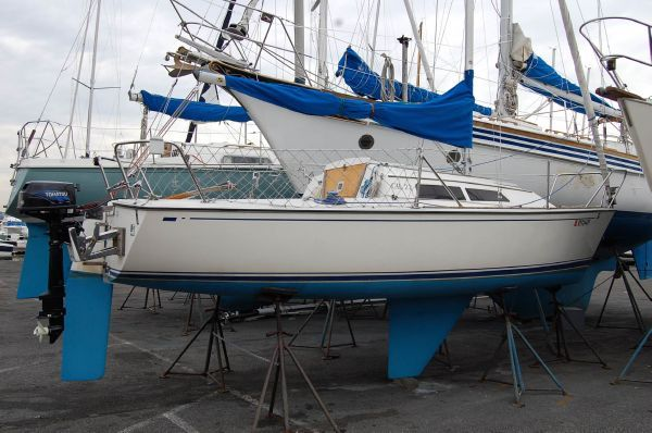 1987 CAL 22 Fin Keel - Boats Yachts for sale