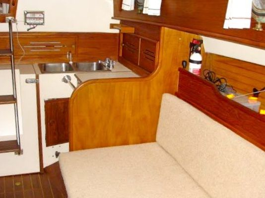 Cape Dory Cutter 1987 Sailboats for Sale