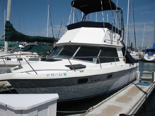 1987 cruisers yachts 288 villa vee  1 1987 Cruisers Yachts 288 Villa Vee