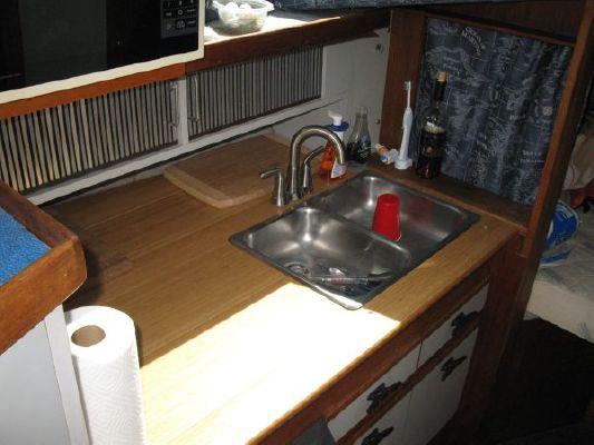1987 cruisers yachts 288 villa vee  6 1987 Cruisers Yachts 288 Villa Vee