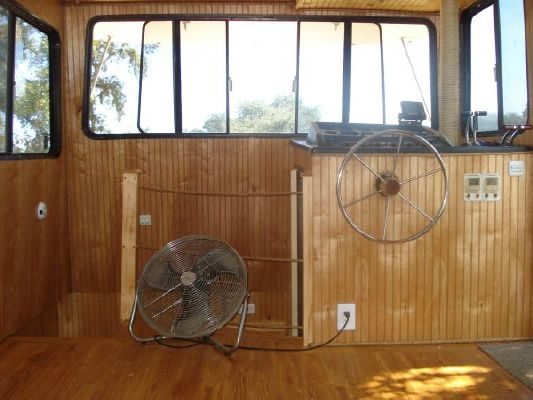 1987 holiday mansion aft cabin coastal baracuda  18 1987 Holiday Mansion AFT CABIN COASTAL BARACUDA