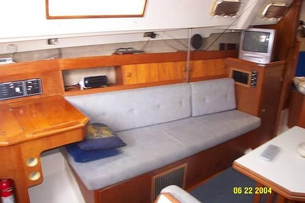 1987 hunter 31 sloop  5 1987 Hunter 31 SLOOP