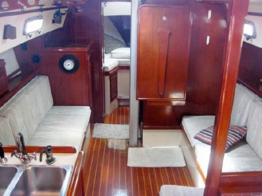 1987 island packet sailboat  9 1987 Island Packet SAILBOAT